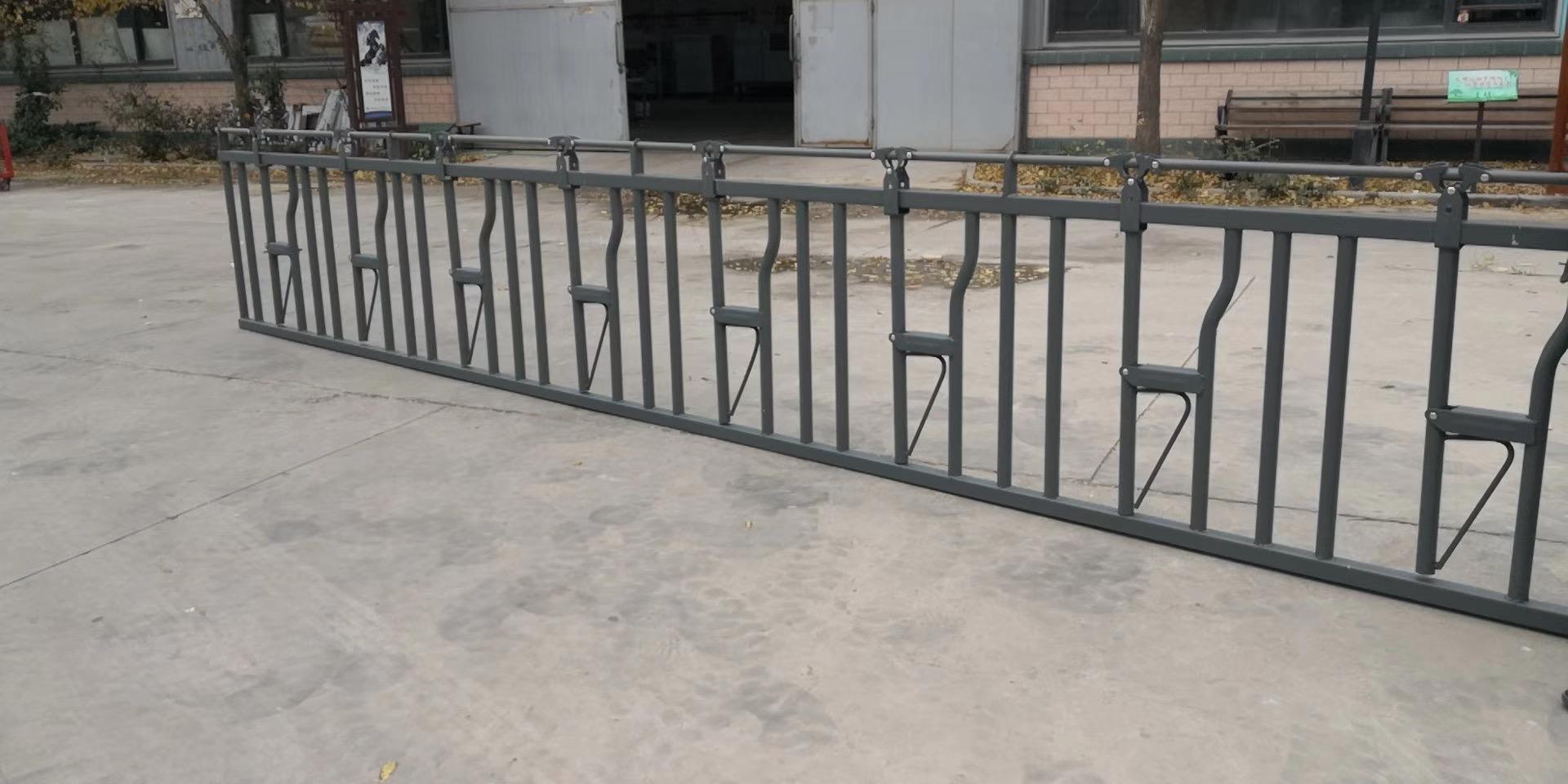 锌钢牛棚栅栏